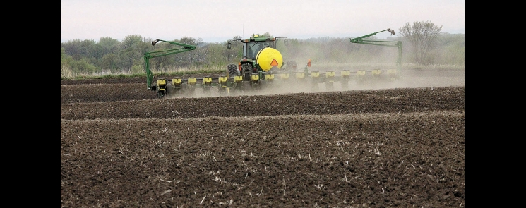 At 40-percent complete Sunday, corn planting in Minnesota was eight days behind the five-year average. However, farmers were making rapid progress prior to Monday afternoon's rainfall and will be back in the fields as clear skies dry out the fields.